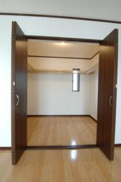 2F寝室・ウォークインクローゼット